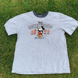 Disneyland Embroidered Mickey Mouse Sz L